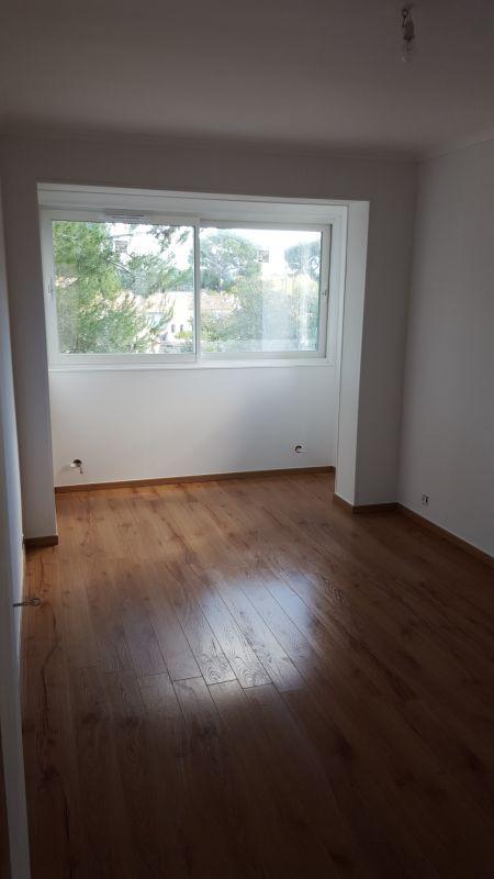 ou trouve t 39 on une soci t pour la pose de parquet sur marseille et ses alentours devis. Black Bedroom Furniture Sets. Home Design Ideas